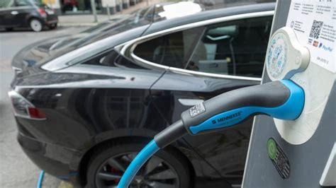 el coche el ctrico no despega en espa a pese al goteo de cambio clim 225 tico espa 241 a se sit 250 a en el vag 243 n de cola de