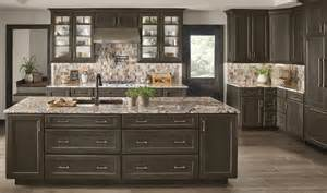 Two Tone Cabinets In Kitchen what s trending page 1 kraftmaid