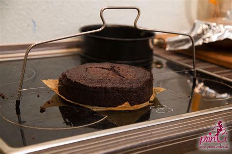 kuchen waagerecht schneiden wissenswahn grundwissen motivtorten teil 8 princi cakes