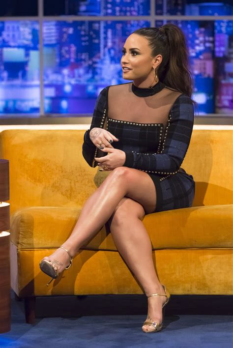 demi lovato sexy celeb demi lovato s legs hot and sexy celebrity images zeman