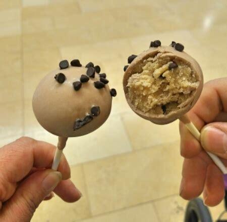 Dough Pop Choc chocolate chip cookie pop