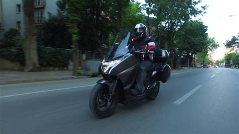 bir scooter  bir motosiklet hayir  bir integra