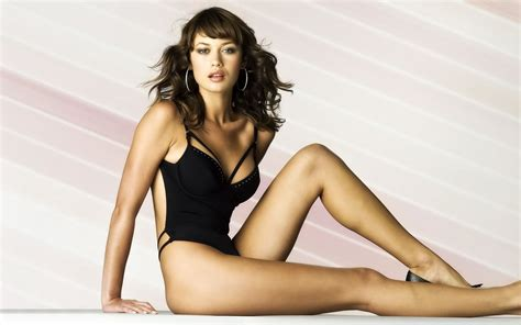 imagenes hot de olga kurylenko celebrities in hot bikini olga kurylenko ukrainian