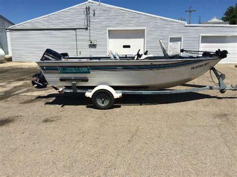 fishing boat rentals ottawa area 1994 lowe 1720 17 foot 1994 lowe fishing boat in