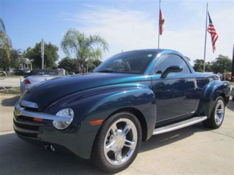 car repair manuals download 2005 chevrolet ssr auto manual service manual 2005 chevrolet ssr manual transmission fill buy used 2005 2006 chevy red ssr