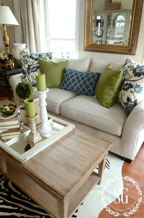 how to place pillows on a sectional best 20 living room pillows ideas on pinterest