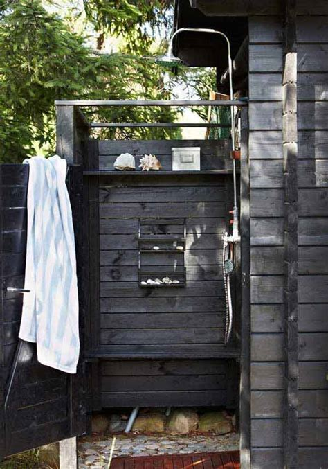 cool outdoor showers  spice   backyard