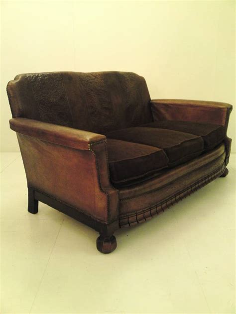 what is difference between sofa and the difference between chesterfield sofa settee