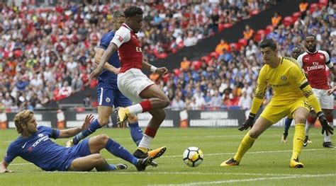 arsenal hold chelsea   goalless draw   happened