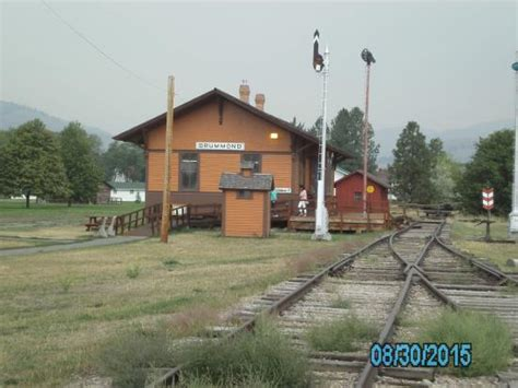 vintage depot picture of fort missoula museum