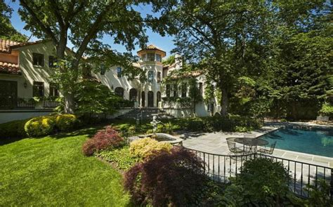 buy house in dc 5 homes for president obama to buy if he decides to stay in washington d c long term mansion