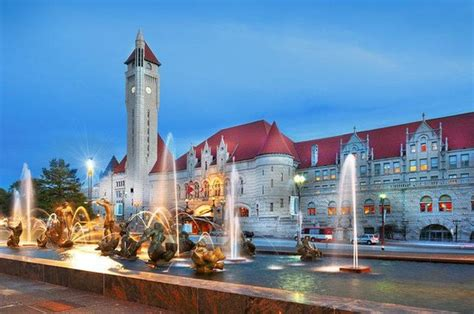 St Louis Hotel Coupons For St Louis Missouri Freehotelcoupons St Louis Mo Family Vacations Photos Trips Getaways For Families Family Vacation Critic