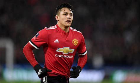 alexis sanchez relationship man utd news roberto martinez makes huge claim about