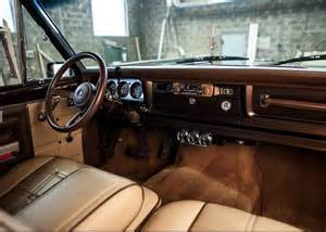 jeep golden eagle interior bangshift com 1979 jeep golden eagle