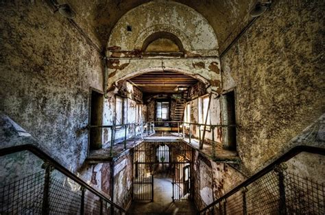 scarred  haunted places  america