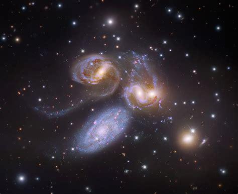 Galaxy L l univers des galaxies