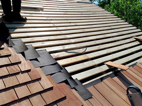 discover seven cedar roof shingle homes you will want to build cedar shingles shakes roofing costs plus pros cons