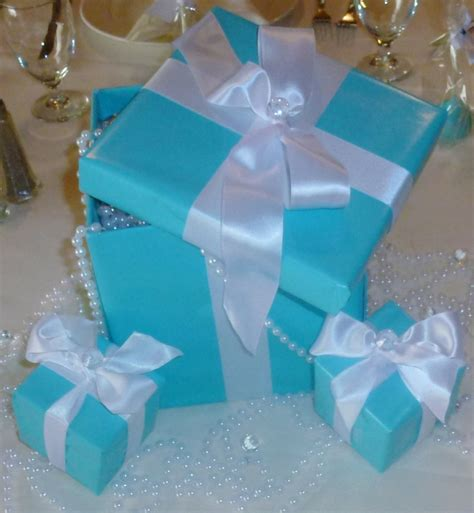tiffany blue box centerpieces 90 00 via etsy sweet