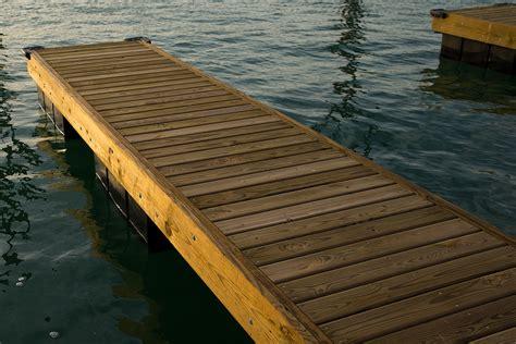 floating boat dock manufacturers a better floating dock system bellingham marine