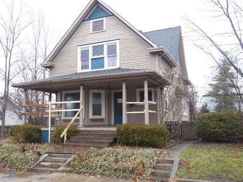 Houses For Sale Shelbyville Indiana by 32 W Pennsylvania St Shelbyville In 46176 Foreclosed