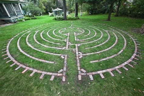 james mulvey inn garden labyrinth