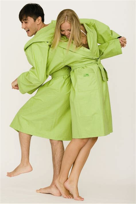 Better Than Linen Table Covers - girls bathrobes decorlinen com