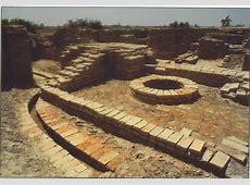 Distinctive features of Indus valley civilization - Essay Mohenjo Daro Great Granary