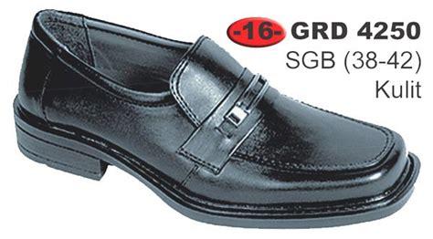 Sepatu Pria Azzurra 613 07 sepatu pria grd 4250 rumah sepatu vee