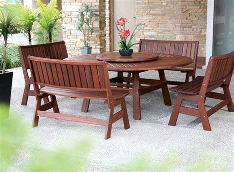 Landscape Forms Jarrah Jarrah Pemberton Table With 4 Curve Benches The