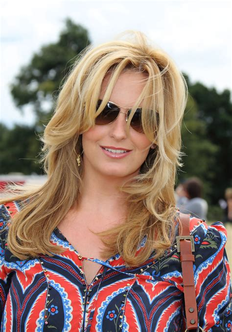 penny lookedbetterwith long hair penny lancaster layered cut layered cut lookbook