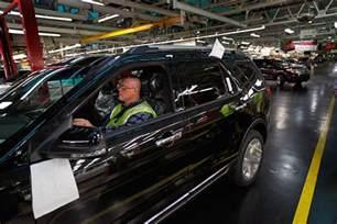 ford chicago assembly plant celebrates 2011 ford explorer