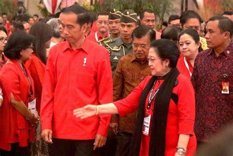 Kemeja Pdi Perjuangan makna bahasa tubuh jokowi untuk pdi perjuangan dalam rakornas tiga pilar pdip okezone news