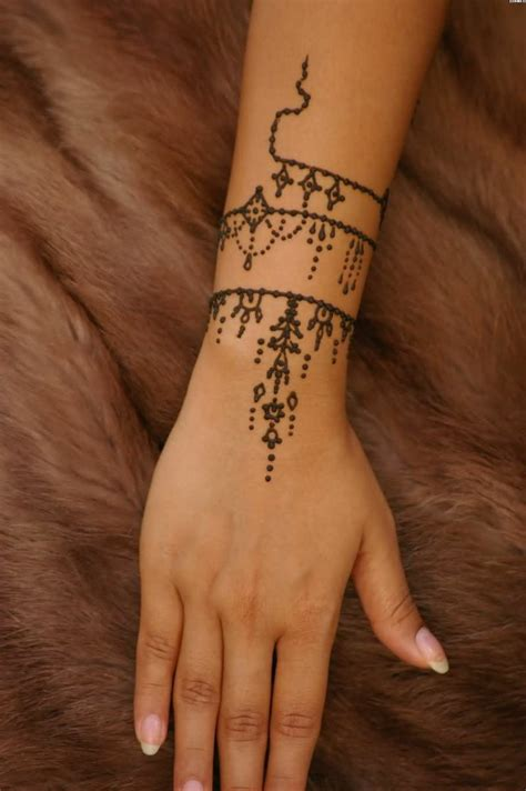 henna tattoo armband 10 simple henna tattoos armband symbole