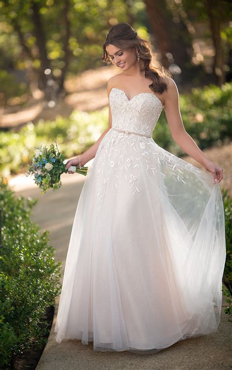 vintage strapless   wedding dress  sparkle tulle