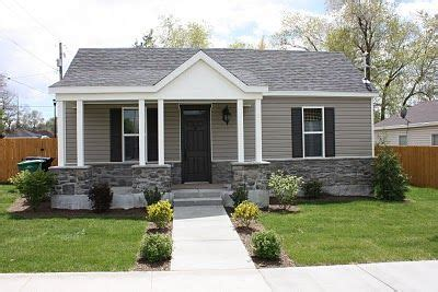 best exterior paint colors for small houses derekmdesign small house makeover exterior designs