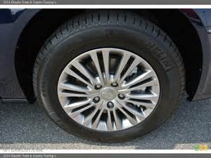 Chrysler Town And Country Tires 2014 Chrysler Town Country Touring L Wheel And Tire