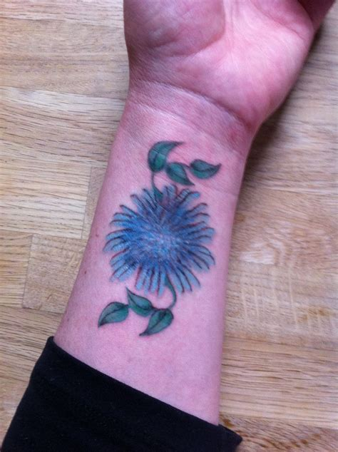 aster tattoo designs best 25 aster ideas on aster flower