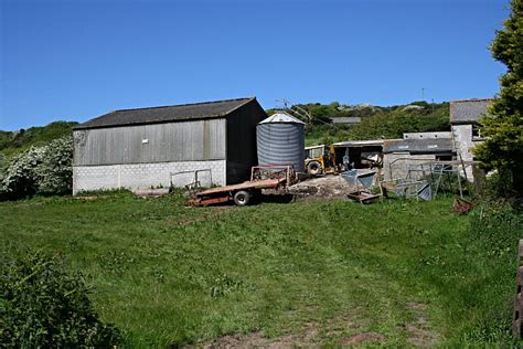 Farm Sheds Uk by File Farm Buildings Near Manor Parsley Geograph Org Uk