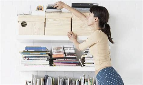 homelife 11 things people with spotless houses do every day cleaning tips and storage solutions for your kitchen