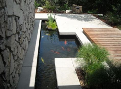desain gambar ikan cara membuat kolam ikan koi desain minimalis di depan