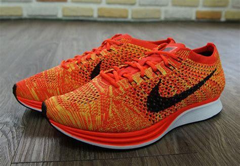 Sepatu Nike Flyknit Racer Bright Crimson Volt Orange 1 nike flyknit racer quot bright crimson quot