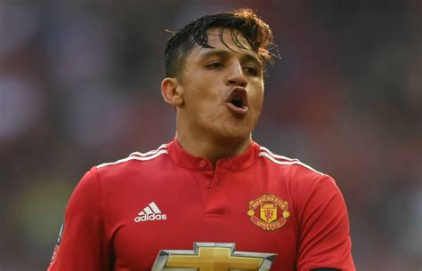 alexis sanchez goal vs spurs man utd news alexis sanchez dig at arsenal after
