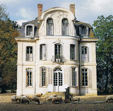 french chateau style 18th century french chateau trouvais