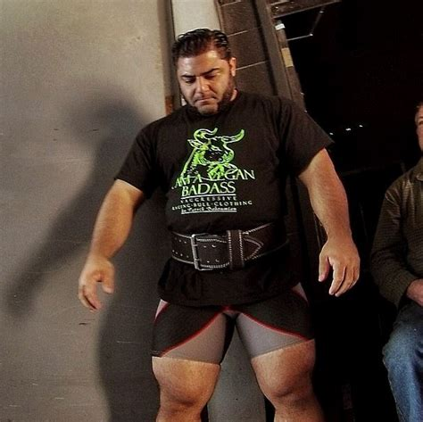 vegan strongman threatens joe rogan over hunting beliefs