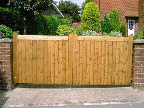 top 28 driveway fence ideas 25 best ideas about gate automation on pinterest iron modern