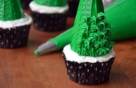 how to make decorative cupcakes for xmas