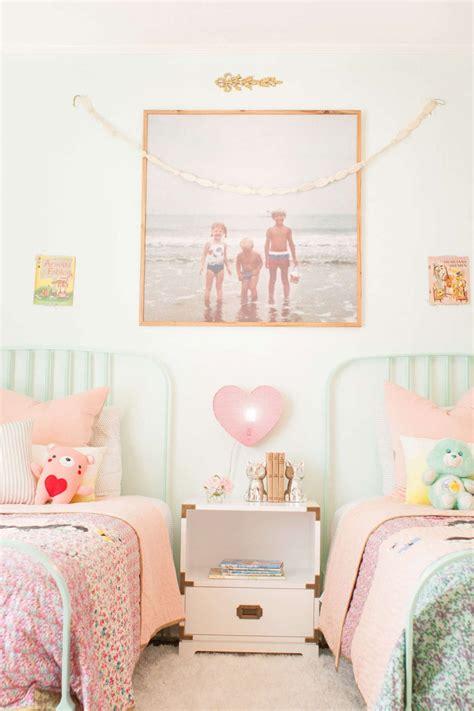 decor chambre enfant chambre d enfant avec des photos vintage