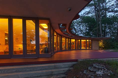 frank lloyd wright houses for sale 9 best frank lloyd wright homes for sale in 2016 curbed