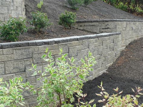 small landscape retaining wall the bangups decor