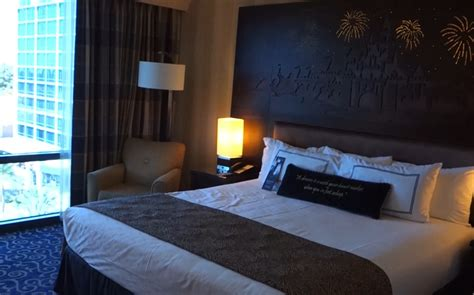 disneyland hotel 1 bedroom suite dylanpfohl com disneyland hotel 2 bedroom suite living